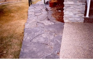 Rundle Stone Step Down Sidewalk